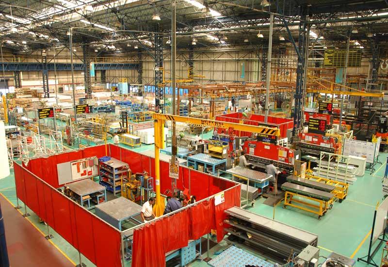 Nên chọn mua thang máy ở nơi có nhà máy sản xuất thang máy hay không?